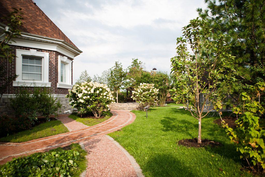 Какие материалы выбрать для строительства загородного дома